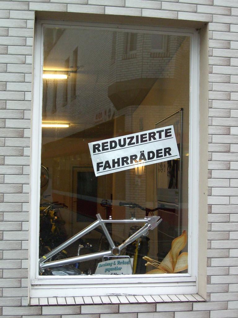 Schau Fenster Martin Reiermann reduzierte Raeder