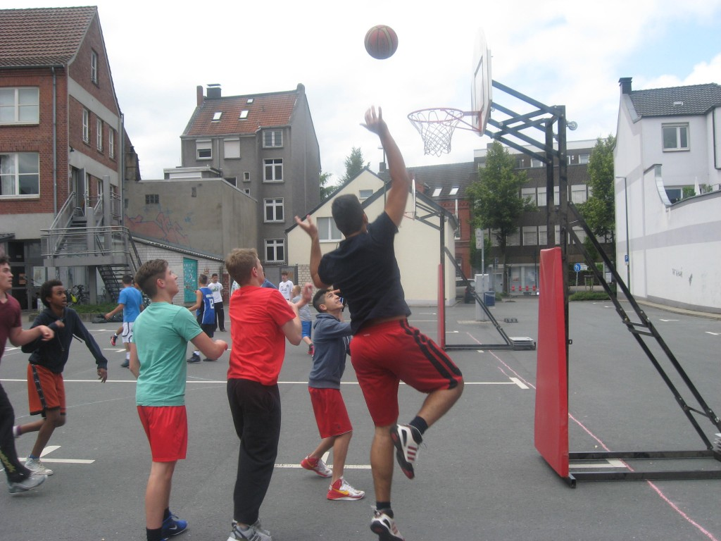 Outdoor-Sports präsentiert: Streetbasketball