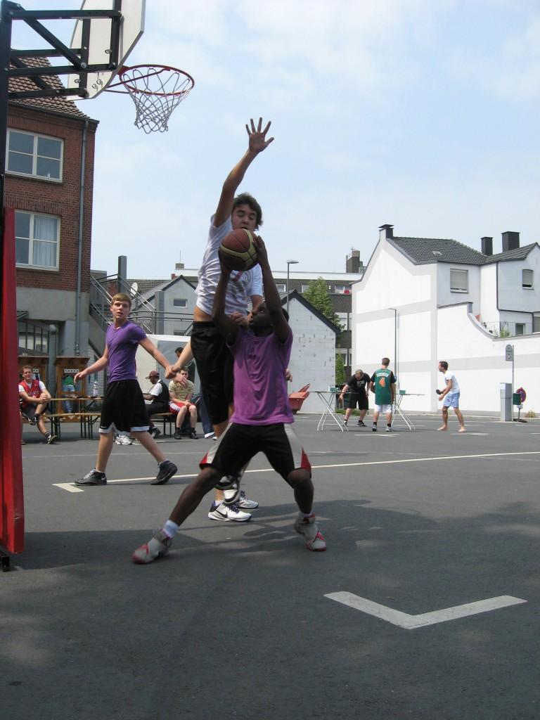 Streetbasketball2011a