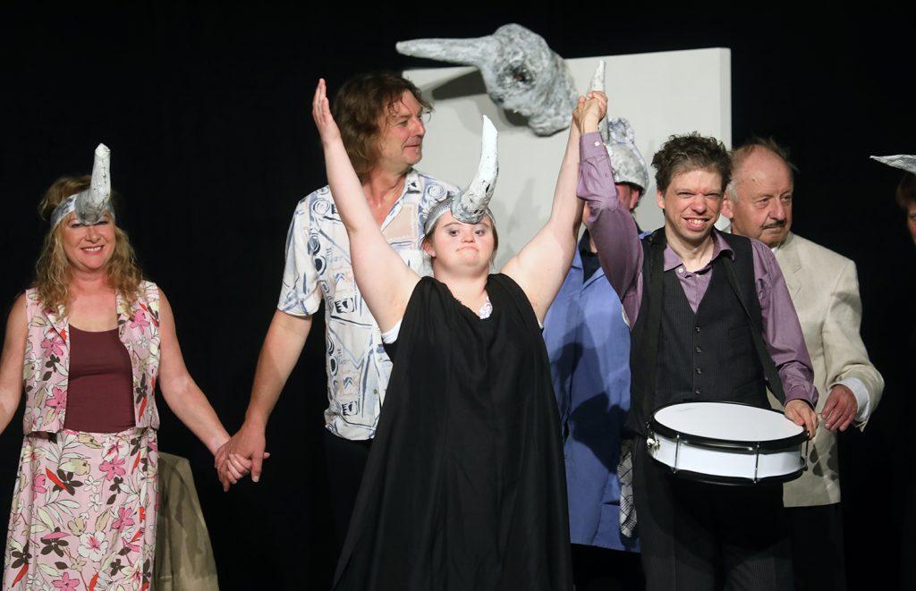 """Theater Götterspeise zeigt """"Die Nashörner"""""""