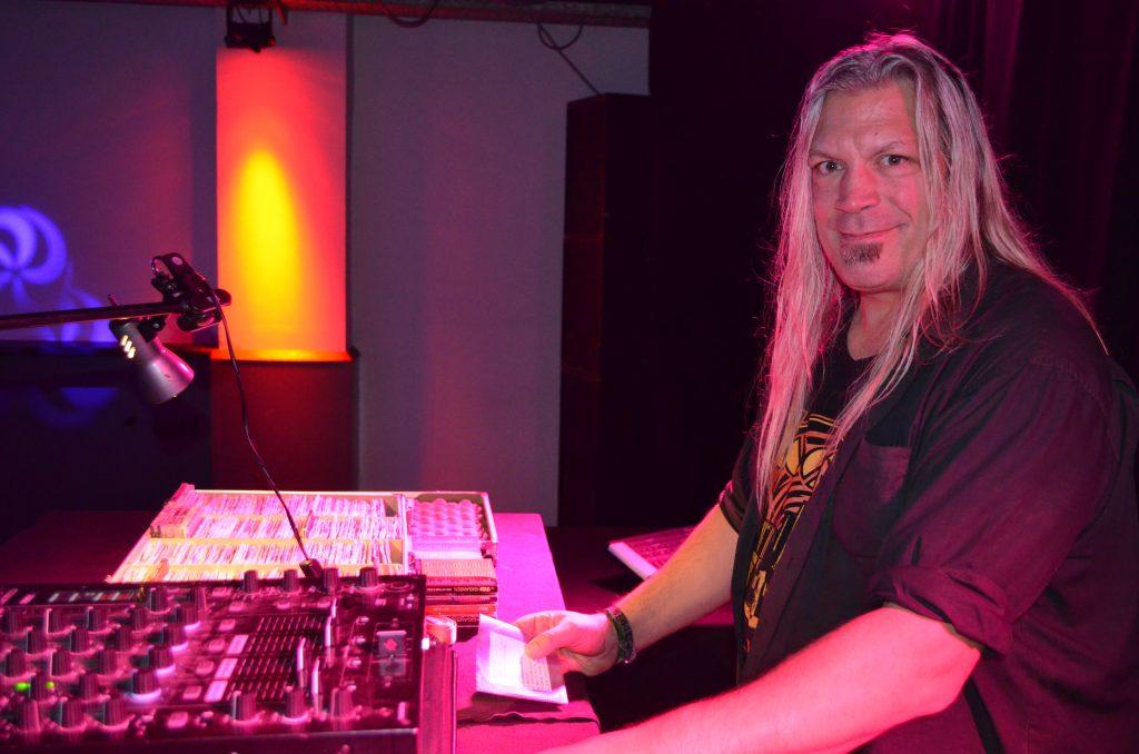 Faltenwurf Party mit DJ Frank Möller!